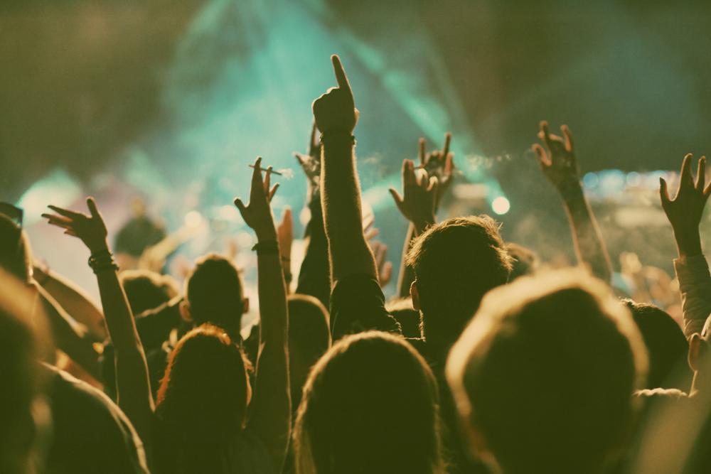 Dekalog festiwalowicza – 10 zasad, które pozwolą Tobie i innym lepiej się bawić